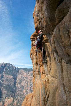 Le non-sens et la joie (Arnaud Petit, Jeff Arnoldi) Cascioni parete ovest, Corsica
