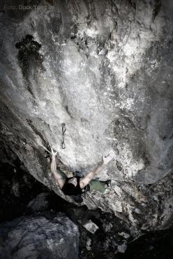 Matthias Schmidl repeating Warbeast 8c+ at Nago, Arco
