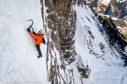 Dani Arnold solo climbing Crack Baby, Breitwangflue in 27:13