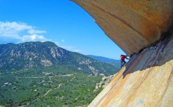 Fabio Erriu on pitch three of Bionda Sardegna  (6b, 120m)