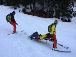 Corso Guide Alpine - Val Formazza: trasporto barella d'emergenza