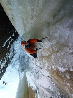 Davide Donini assicurato da Raffaele Mercuriali su L1 di Lipton (Gola di Rjukan)