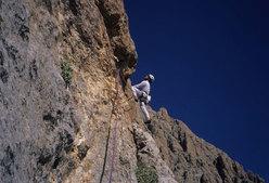Marco Sterni in apertura sulla parete Ovest del Çoban Kiri 2987m (Ala Daglar)