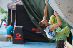 Stefan Scarperi competing in the 4th stage of the Boulder World Cup 2014.