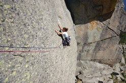 Valle dell'Orco, new routes on Sergent