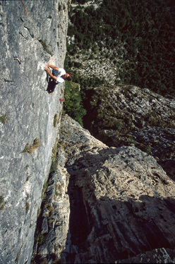 Michele Guerrini and Giorgio Poletto climbing Astrofisica