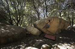 Laurence Guyon sul boulder 13a, Piana