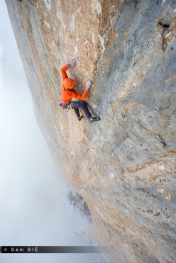 Cédric Lachat on pitch 5 (8c) of Orbayu, Naranjo de Bulnes, Picos de Europa, Spain