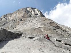 Roberto Iannilli starting up Tangerine Trip, El Capitan, Yosemite