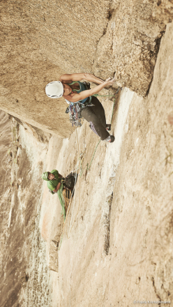 Mayan Smith-Gobat and Ben Rueck climbing Place of Happiness, Pedra Riscada, Brazil