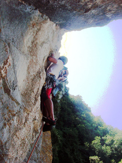 Wasted years (115 m, 7c or 6c/A0, RS3, Riccardo Quaranta, Agnese Flavi) Monte della Foresta, Molise: establishing pitch 2