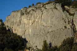 Muzzerone central crag