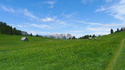 A walk to Prato Piazza in the Dolomites