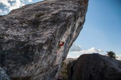 Patxi Usobiaga climbing Sultans of Swing (8a)
