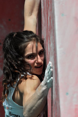Alex Puccio wins the Rock Master KO Boulder Contest