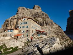 Il Rifugio Pedrotti, Dolomiti di Brenta