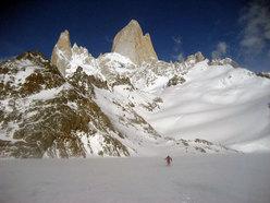 Attraversando il Lago de los Tres ghiacciato