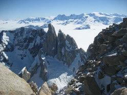 Il Cerro Torre visto dalla Supercanaleta del Fitz Roy
