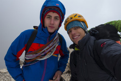 Alex Walpoth e Martin Dejori durante la prima ripetizione di Colonne d'Ercole, Civetta,  Dolomiti