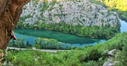 L'arrampicata a Omiš, Dalmatia, Croazia: sulla via Fatureta 7c+ nella nuova falesia Perivoj