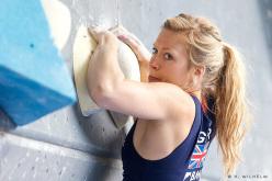 La climber inglese Mina Leslie-Wujastyk