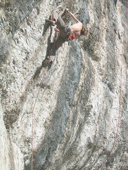 Valdo Chilese in arrampicata a Fonzaso