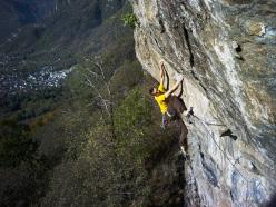 Matteo Deghi climbing Ultimo Spritz 8a