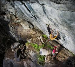 Enrico Baistrocchi climbing Più ieri che domani 8b at Cacatorio