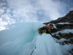 Luca Vuerich climbing 'Per Leila' (Cima delle Cenge, Julian Alps).