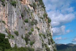 Sandro Buluggiu climbing Shangai, one of the classics of the crag Chinatown, Sardinia