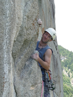 Tobias Wolf and Stephan Isensee climbing Il Mito della Caverna 8a (7c obbl), Gendarme de Gramesüd