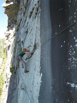 Tobias Wolf and Stephan Isensee climbing Non è un paese per vecchi 7c+ (7b+ obbl), Linescio, Canton Ticino