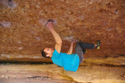 Nacho Sánchez making the first ascent of Crisis 8C/+ at Crevillente