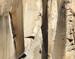 Libby Sauter and Mayan Smith-Gobat racing up The Nose, El Capitan, Yosemite in 4:43