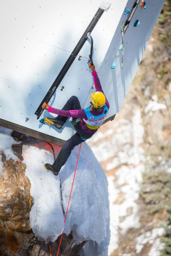 Angelika Rainer al Ouray ice Festival 2015