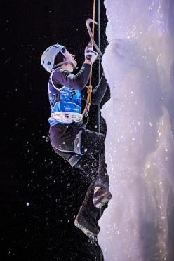 Vladimir Kartashev: Ice Climbing World Championship 2015
