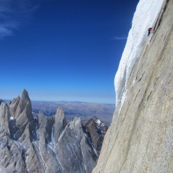 Alex Honnold at the end of the traverse pitch on Torre Egger's Huber-Schnarf route.
