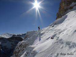Andrea Gamberini in avvicinamento verso La Piera, Vallunga, Dolomiti