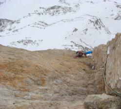 Alex Walpoth e Titus Prinoth sulla parete di Brogles, Odle, Dolomiti