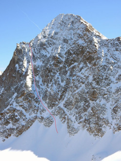 The NW Couloir on the North Face of Monte Emilius, Valle d'Aosta, snowboarded on 13/04/2015 by the Italians Davide Capozzi and Julien Herry.
