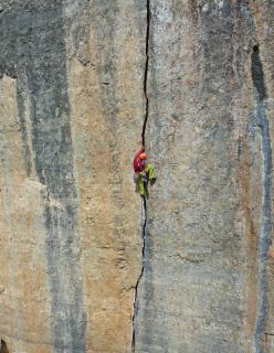Maurizio Oviglia climbing Aikido, Su Sussiu, Ulassai, Sardinia