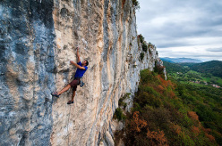 Marko Mrše climbing Beastiqueen 7a+ a Kompanj, Istria, Croatia