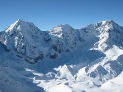 La linea di Serac, una possibile nuova via al Monte Zebrù salita il 21/04/2015 da Florian Riegler e Martin Riegler. Sulla sinistra il Gran Zebù, sulla destra l' Ortles.