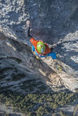 Luca Giupponi climbing pitch 8