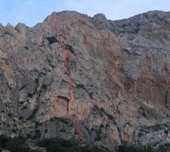 The route line of Nato due volte (7a+, 6b+ obb, 230m, Eugenio Pinotti, Mauro Florit & Fabrice Calabrese 03/2015), Monte Gallo, Sicily