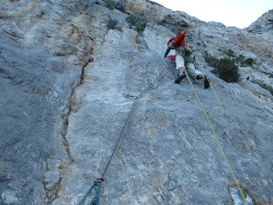 During the first ascent of Nato due volte, Monte Gallo, Sicily: the slabby start to pitch 4