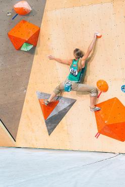 Katharina Saurwein durante la Coppa del Mondo Boulder 2015 a Toronto