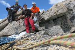 Alessio Tait, Francesco Salvaterra e Paolo Baroldi in cima al Monte Bianco di Presanella dopo la prima salita di Il Male di Vivere (300m , 45° M 7a+ (VIII+) R3)