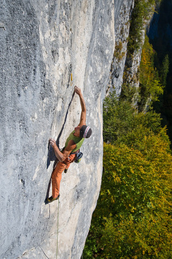 Manolo su Roby Present 8c+/9a, Val Noana, Pale di San Martino.