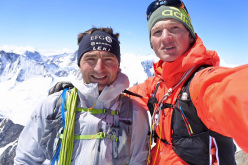 #82summits: Michael Wohlleben and Ueli Steck on the summit of Schreckhorn 4,078m